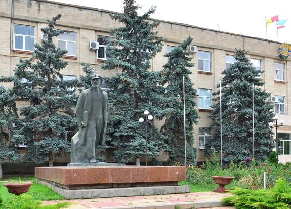 Comrat - Lenin Statue