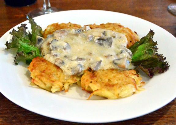 Tiraspol - Restaurant - Potato Pancakes with Mushrooms
